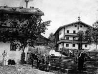 Huaberhof (links) und Koglerhof (rechts) im Jahre 1903